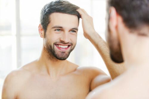 Vypadávání vlasů muži nesmí podceňovat