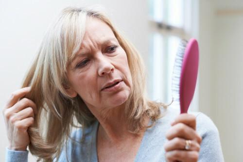 Co na padání vlasů