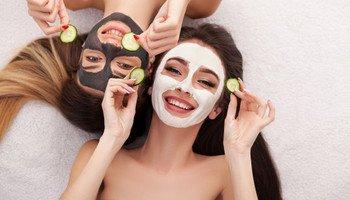 Proč je důležité pravidelně používat masky a peelingy