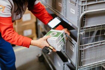 Vyhledávání zboží a kompletování vašich objednávek