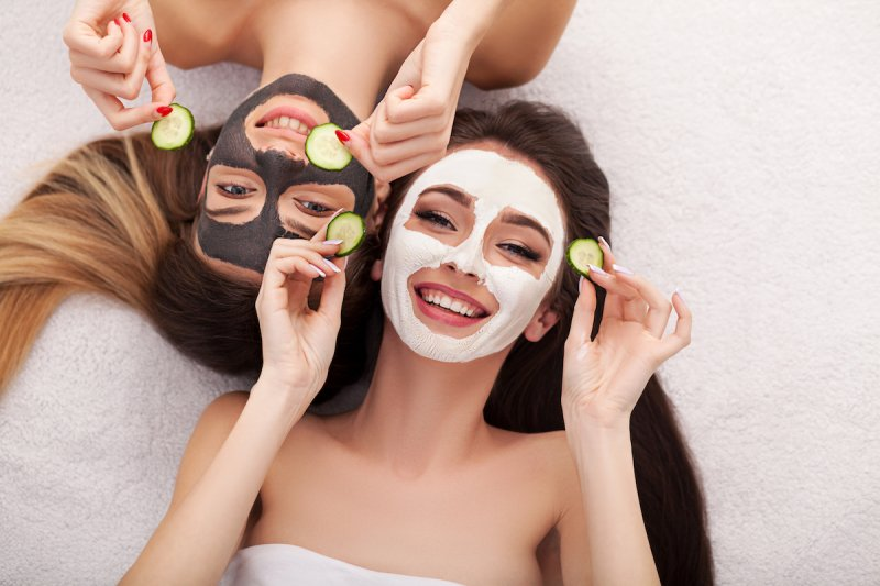 Pleťovou masku používejte pravidelně jako doplňkovou péči o pokožku.