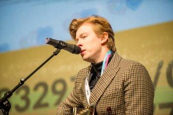 Koncert během benefiční akce na Staroměstském náměstí